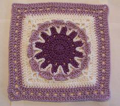 SmoothFox's Starburst Flower Square pattern by Donna Mason-Svara. Free pattern via Ravelry.