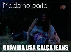 Grávida tem bebê vestindo calça jeans em novela do SBT