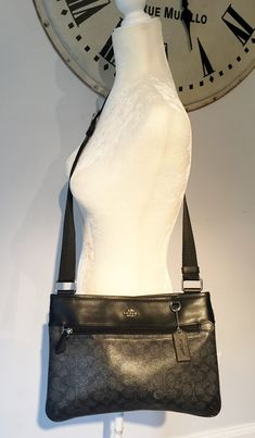 c85d2ad51090 Call Jannie. Crossbody BagVintage OutfitsShoulder BagShoulder PurseCross  Body Bags. Coach New York ...