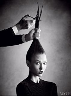 Karlie Kloss chops her hair for Vogue magazine