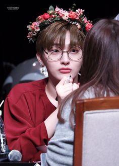 I will die😭💜 jisung Mommys Boy, Miss U So Much, Produce 101 Season 2, Kim Jaehwan, Ha Sungwoon, My Destiny, Second Season, Flower Boys, Ji Sung
