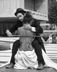 Black and white from Man Ray and Ingres Violin Man Ray, Black N White, Yin Yang, Black And White Photography, Baby Photos, Art Photography, Photography Classes, Outdoor Photography, Artistic Photography