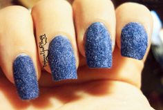 Fluffy Nails, de Violetta. http://www.embraceyourbrush.com/2014/04/v-fluffy-nails-its-so-fluffy-im-gonna.html