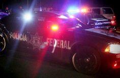 En la madrugada de este domingo, sobre la carretera Santa Casilda-Cuatro Caminos, en Tierra Caliente, Michoacán, sujetos armados dispararon a la patrulla número 13549 de la División de Seguridad Regional ...