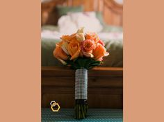 the color of the bouquet is essential to the overall color theme of the wedding