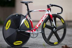 Pinarello track bike with Mavic disc and 5 spoke wheels