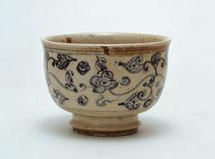 [Omote senke] utensils: Annan tea bowl. [表千家不審菴]茶の湯の道具:安南茶碗