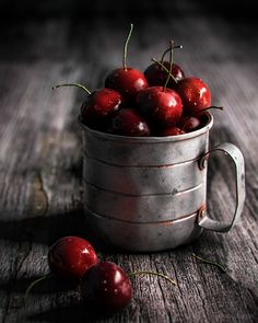 Tpeyon — Cup with Cherries! Dark Food Photography, Still Life Photography, Fruit And Veg, Fruits And Veggies, Still Life Pictures, Fruits Photos, Still Life Fruit, Food Is Fuel, Fruit Art