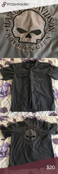 Harley Davidson Shirt Gray Harley shirt worn numerous times but still in great condition. Harley-Davidson Shirts Casual Button Down Shirts