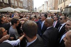 mitt romney july 4 2012 | Republican Presidential candidate Mitt Romney (C) meets with ...