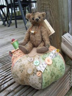 Tonni Bears Pin Cushion Bear - Green