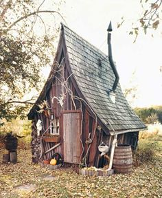 This would make an awesome Witches shack in a painting!