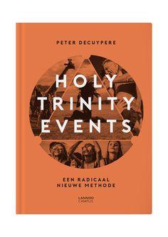 Van het concilie van Nicea tot Burning Man, van Kiss tot I love Techno en van Immanuel Kant tot Daft Punk: een krachtige nieuwe kijk op events. Een event organiseren is vandaag niet zomaar een podium vullen met zoveel mogelijk goden. De toekomst toont zich veel meer in het ontwikkelen van verbindende belevenissen. En het is net die verbondenheid die de basis vormt van een succesvol Holy Trinity Event. Dit vlot geschreven boek toont aan hoe je aan de hand van het unieke en vernieuwende Holy…