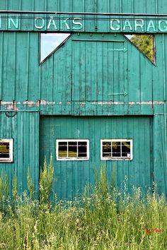 Twin Oaks Garage