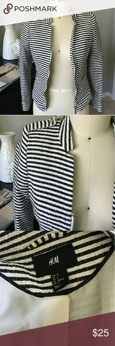 """H&M striped blazer NWOT LIKE NEW H&M black and white striped Blazer with gold accent thread! Measures 16.5"""" underarm-to-underarm. I bought it w/out trying it on, it is a size too small for me 😭...  it is in pristine condition, no stains threads or anything. Model pics included to give idea of fit (not me, got them from a blog).. Sorry no offers, price is firm. Can bundle though! Jackets & Coats Blazers"""