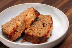 Parmesan cheese and mixed Italian herbs season this tasty meatloaf. This well-seasoned Parmesan meatloaf is made with ground beef and pork for great flavor and texture. Basic Meatloaf Recipe, Best Meatloaf, Meatloaf Recipes, Meat Recipes, Cooking Recipes, Recipes Dinner, Dinner Ideas, Healthy Recipes, Thermomix