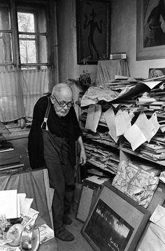 Bert Heyden - Josef Sudek in his studio, 1975