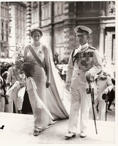 Pss Irene of Greece arriving to the church with brother king George II of Greece in her wedding day .1939 She married Prince Aimone of Savoia, duke of Spoleto, Fifth Duke of Aosta.   #TuscanyAgriturismoGiratola