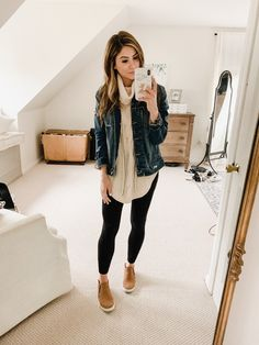 12 Ways to Style Jogger Leggings - Lauren McBride Mom Outfits, Spring Outfits, Casual Outfits, Cute Outfits, Fashion Outfits, Womens Fashion, Cute Legging Outfits, 50 Fashion, Street Fashion
