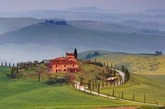 Top 10 Travel Destinations in Southern Tuscany