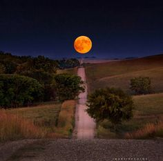 The supermoon near the Tallgrass Prairie National Preserve in the Flint Hills…