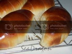 Overnight Soft Bun Dough (16-hour poolish version) 16小時冷藏液種麵糰   Corner Café Soft Buns Recipe, Bun Recipe, Corner Cafe, Hot Dog Buns, Breads, Rolls, Cake, Recipes, Food