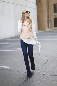 wearing flare jeans for spring