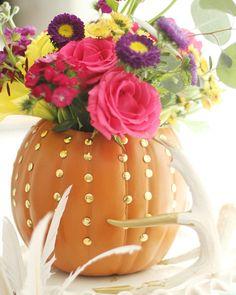 Charming in Charlotte: DIY Faux Pumpkin Vase Faux Pumpkins, Glass Pumpkins, Halloween Pumpkins, Fall Halloween, Halloween Decorations, Thanksgiving Decorations, Thanksgiving Recipes, Halloween Ideas, Pumpkin Vase