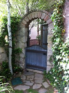 would love something like this for the entrance to the vegetable garden area - ck