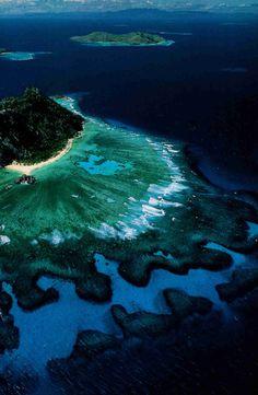 Fidji est un île dans le ocean pacifique. Il est près de Australie.
