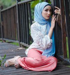 Disney Wedding Dresses, Hijab Bride, Pakistani Wedding Dresses, Girl Hijab, Wedding Hijab, Street Hijab Fashion, Abaya Fashion, Women's Fashion, Beautiful Muslim Women