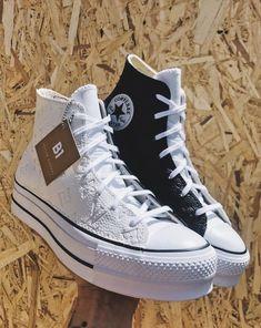 Converse Noir, Converse High, New Converse, Colored Converse, Converse Chuck Taylor, Cute Sneakers, Shoes Sneakers, High Top Sneakers, Shoes Sandals