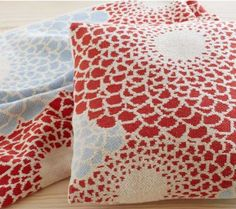 #InspiredGreenLiving - Zinnia Pillow and Throw