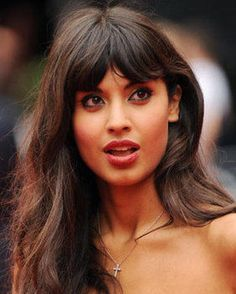 Jameela Jamil will present the Radio 1 Official Chart Show Jamel, Brunette Hair, Hairstyles With Bangs, Hair Inspo, Indian Beauty, Pretty People, Hair Trends, New Hair, Bella