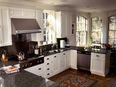 Amazing Designs Of U-Shaped Kitchen : Stunning Small UShaped Kitchen Design with Black Grey Granite Countertop and White Kitchen Cabinet also StainlessSteel Chimney and Wooden Laminate Floor Open Plan Kitchen, Kitchen On A Budget, New Kitchen, Kitchen Dining, Kitchen Decor, Kitchen Ideas, Tidy Kitchen, Kitchen Craft, Kitchen White