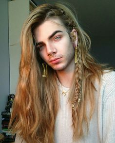 lithunium snow - New Site Nils Kuiper, Wig Styles, Long Hair Styles, Beautiful Men, Beautiful People, Hair Reference, Hair Designs, Pretty People, Cool Hairstyles