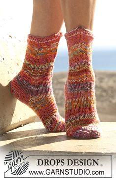 """DROPS Socken aus """"Fabel"""", doppelt verstrickt ~ DROPS Design"""
