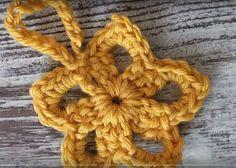 Ravelry: Golden Star Ornament pattern by Kristi Simpson Crochet Star Patterns, Crochet Snowflake Pattern, Crochet Stars, Crochet Snowflakes, All Free Crochet, Crochet Motif, Easy Crochet, Crochet Flowers, Tutorial Crochet