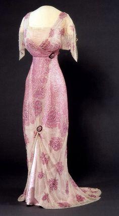 Edwardian Period Dress Nasjonalmuseet for Kunst, Arketektur, og Design 1900s Fashion, Edwardian Fashion, Vintage Fashion, Royal Fashion, Emo Fashion, Club Fashion, Vintage Beauty, Gothic Fashion, Dress Fashion