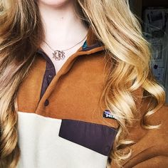 this is my fav patagonia ive seen on here so far Preppy Mode, Preppy Style, My Style, Adrette Outfits, Preppy Outfits, Fall Winter Outfits, Autumn Winter Fashion, Winter Clothes, Patagonia Pullover