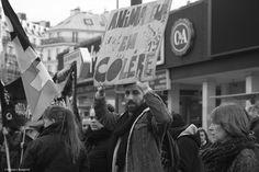 Togetherness - Manifestant lors du rassemblement de la fonction publique de janvier 2016. Boulevard Montparnasse, Paris.