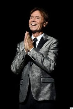 Cliff Richard on birthday tour Sir Cliff Richard, Mark Knopfler, Young Ones, Pop Singers, David Tennant, Guys And Girls, Princess Diana, Music Bands, Fangirl