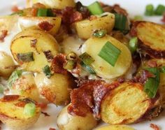 Crock Pot Cheesy Bacon Potatoes. I have to try these!