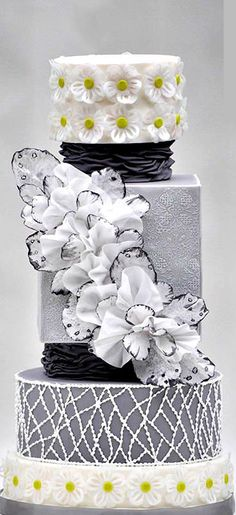 Lace inspired wedding cake by Hajnalka Mayor Beautiful Wedding Cakes, Gorgeous Cakes, Pretty Cakes, Amazing Cakes, Daisy Cakes, Wafer Paper Cake, Royal Icing Decorations, Engagement Cakes, Wedding Cake Inspiration