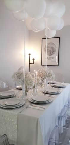 White Party Decorations, Birthday Table Decorations, Birthday Party Tables, Dinner Table Decorations, Party Centerpieces, Deco Candy Bar, White Table Settings, Dinner Table Settings, Diner Party