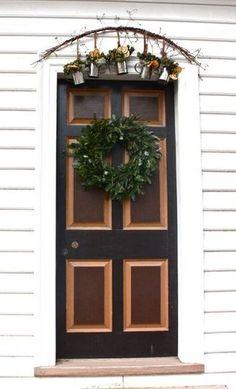 cool wreath. via apartmenttherapy