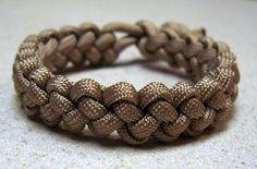 Stormdrane's Blog: A chain sinnet paracord bracelet