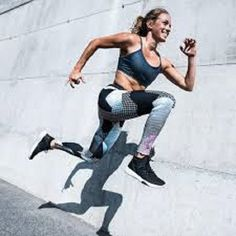 The stomach area can often be a hard spot to tone for many people. Luckily, this article will show you exactly how to whip it into shape. Full Body Hiit Workout, Ab Core Workout, 7 Minute Abs, Hanging Leg Raises, Reps And Sets, Relieve Back Pain, Best Gym, Lower Abs, Core Muscles