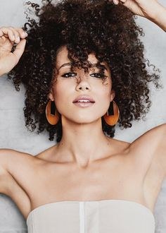 Game of Thrones star Nathalie Emmanuel tries four different beauty looks. Beautiful Female Celebrities, Beautiful Actresses, Curly Hair Styles, Natural Hair Styles, Natural Beauty, Nathalie Emmanuel, Black Actresses, Beauty Women, Beautiful People