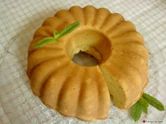 Savoury cake with feta cheese and mint Savoury Baking, Savoury Cake, Yummy Food, Tasty, Greek Recipes, No Bake Desserts, Cake Cookies, Feta, Bakery